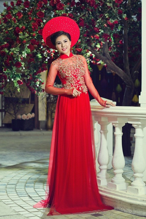 Vân Trang hóa thân làm cô dâu dịu dàng trong tà áo dài của NTK Huỳnh Lợi - anh 12