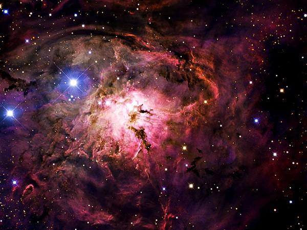 Những bức ảnh vũ trụ đẹp nhất do kính Hubble chụp được - anh 1