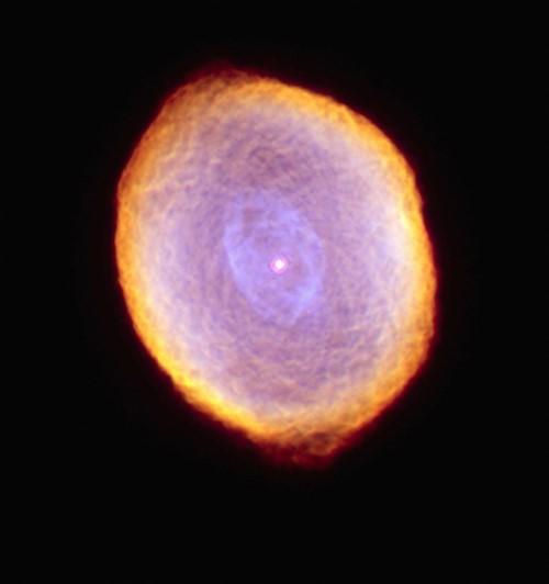 Những bức ảnh vũ trụ đẹp nhất do kính Hubble chụp được - anh 11
