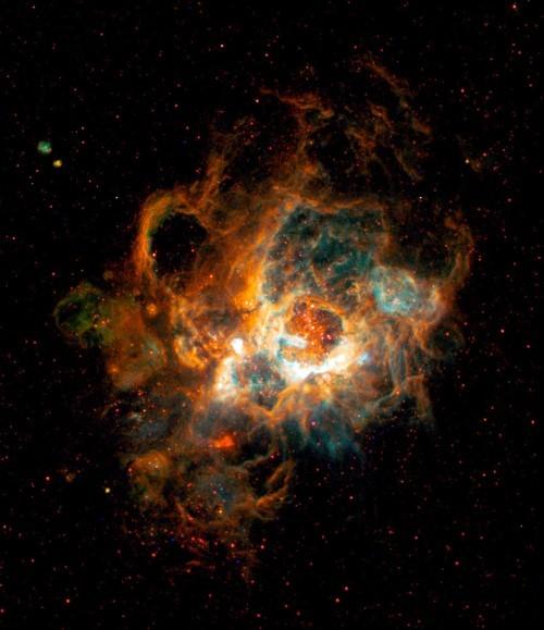 Những bức ảnh vũ trụ đẹp nhất do kính Hubble chụp được - anh 12
