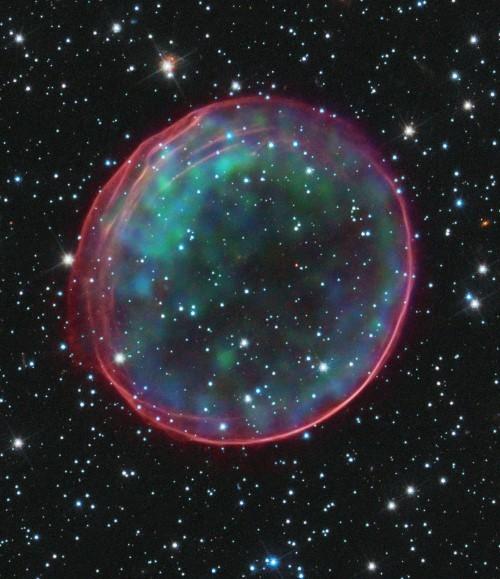 Những bức ảnh vũ trụ đẹp nhất do kính Hubble chụp được - anh 7