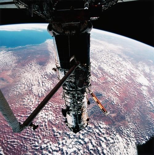 Những bức ảnh vũ trụ đẹp nhất do kính Hubble chụp được - anh 8