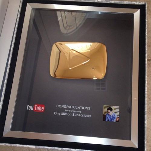 Vlogger JVevermind nhận giải thưởng khủng từ YouTube - anh 2