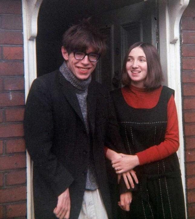 Stephen Hawking: Tình yêu của vợ đã thay đổi cuộc đời tôi - anh 4