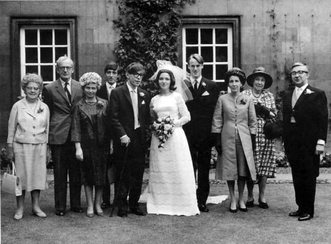 Stephen Hawking: Tình yêu của vợ đã thay đổi cuộc đời tôi - anh 5