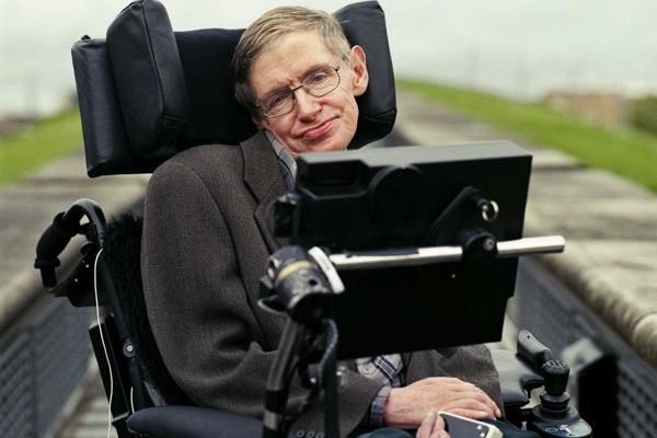 Stephen Hawking: Tình yêu của vợ đã thay đổi cuộc đời tôi - anh 1