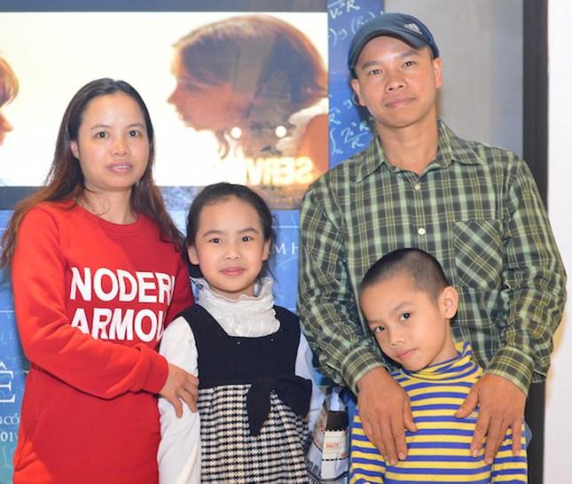 Con gái nuôi người Việt - 'điều ngẫu nhiên tuyệt diệu nhất' của nhà vật lý vĩ đại Stephen Hawking - anh 9
