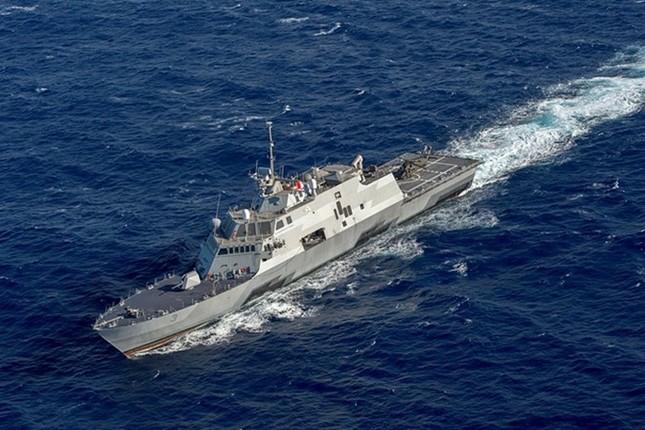 Sức mạnh chiến hạm USS Fort Worth của Mỹ trên Biển Đông - anh 1