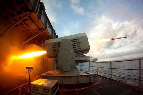 Sức mạnh chiến hạm USS Fort Worth của Mỹ trên Biển Đông - anh 10