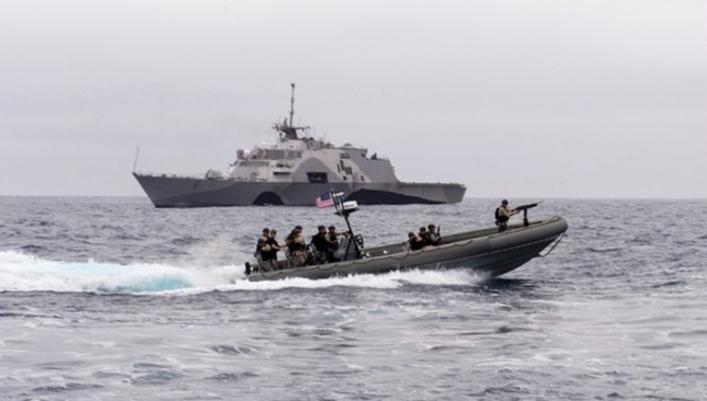 Sức mạnh chiến hạm USS Fort Worth của Mỹ trên Biển Đông - anh 8