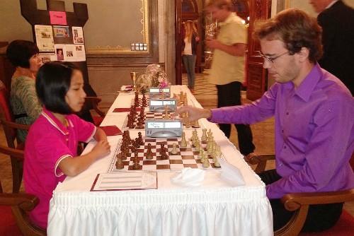 Bé gái người Việt đạt giải vô địch cờ vua U12 tại Đức - anh 3