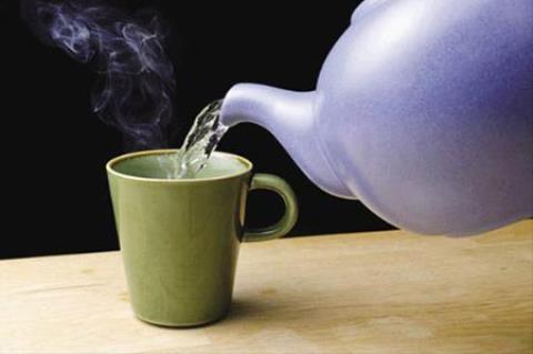 10 thói quen uống nước nguy hại đến sức khỏe - anh 1
