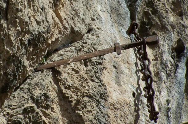 10 thanh kiếm lừng danh trong lịch sử cổ đại - anh 10