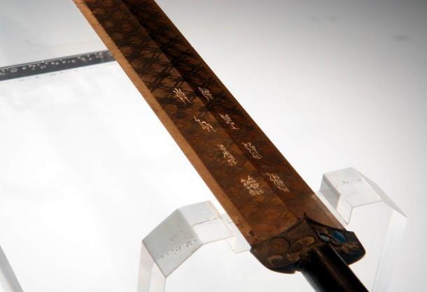 10 thanh kiếm lừng danh trong lịch sử cổ đại - anh 4