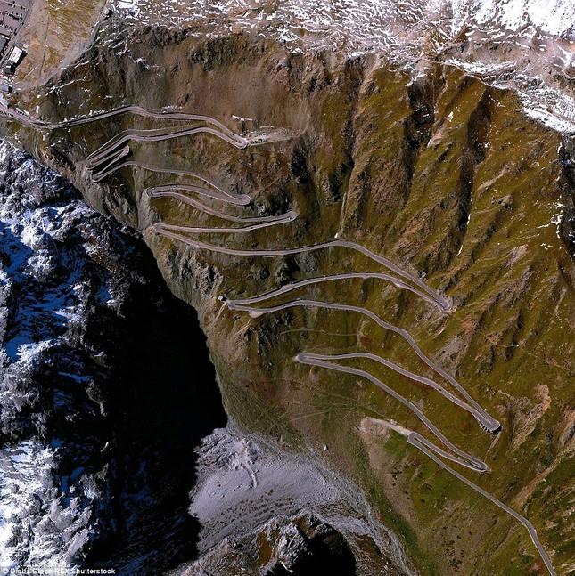 Bộ ảnh: Những 'Kỳ quan' thế giới nhìn từ trên cao - anh 1