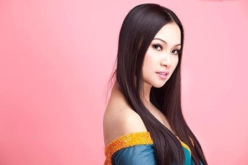 Ngắm biệt thự xa hoa và dàn siêu xe của nữ ca sĩ Việt giàu nhất thế giới - anh 1