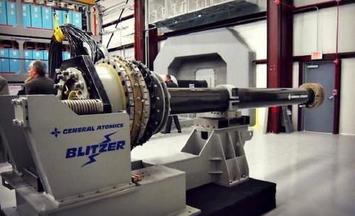 Năm 2020: Hải quân Mỹ triển khai vũ khí laser và điện từ siêu 'khủng' - anh 3
