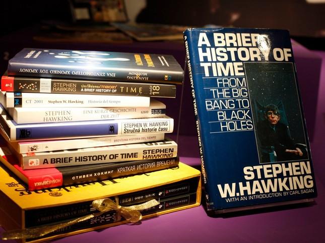 Những câu nói 'để đời' của bậc thầy vũ trụ Stephen Hawking - anh 10