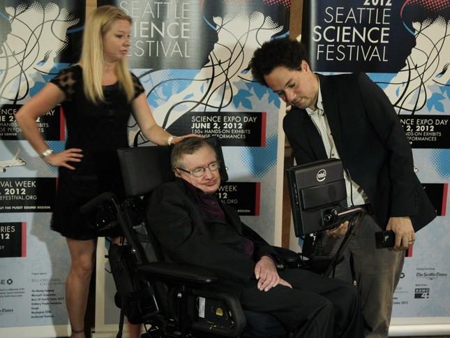Những câu nói 'để đời' của bậc thầy vũ trụ Stephen Hawking - anh 14