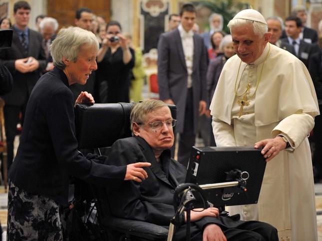 Những câu nói 'để đời' của bậc thầy vũ trụ Stephen Hawking - anh 15