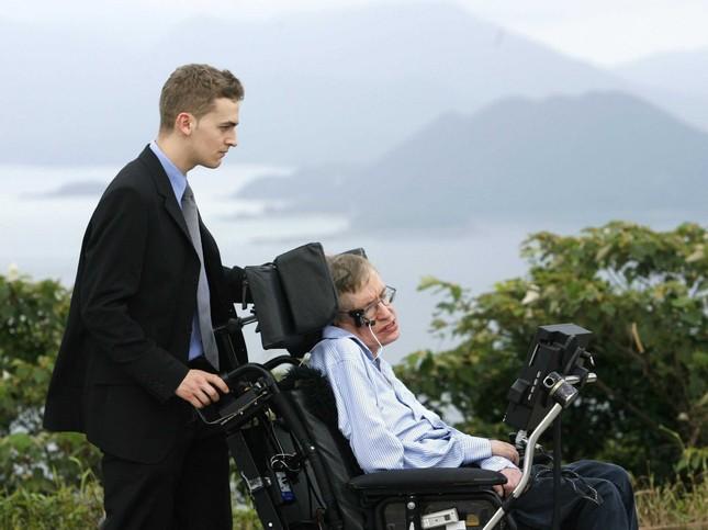 Những câu nói 'để đời' của bậc thầy vũ trụ Stephen Hawking - anh 3