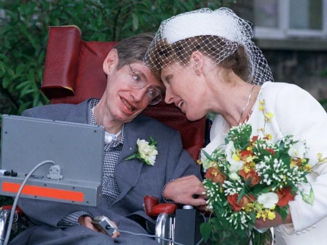 Những câu nói 'để đời' của bậc thầy vũ trụ Stephen Hawking - anh 8