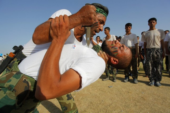 Những khóa huấn luyện quân sự 'khắc nghiệt' nhất thế giới - anh 3