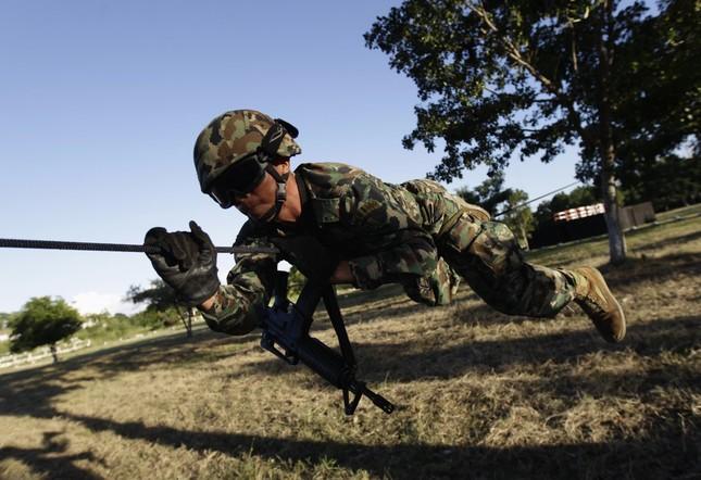Những khóa huấn luyện quân sự 'khắc nghiệt' nhất thế giới - anh 4