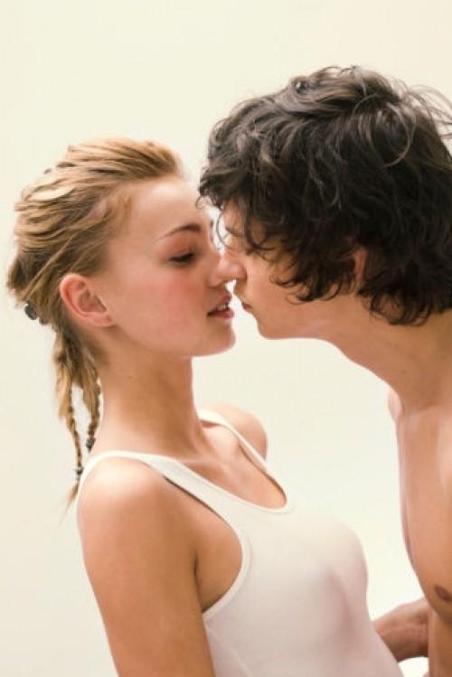 5 biểu hiện phổ biến khi phụ nữ ngoại tình - anh 3