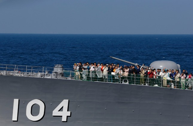 Fleet Review - Màn phô diễn sức mạnh hải quân đầy uy lực của Nhật Bản - anh 12