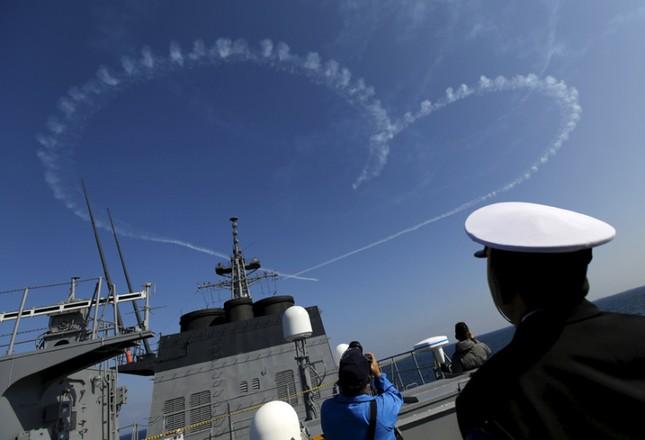 Fleet Review - Màn phô diễn sức mạnh hải quân đầy uy lực của Nhật Bản - anh 2