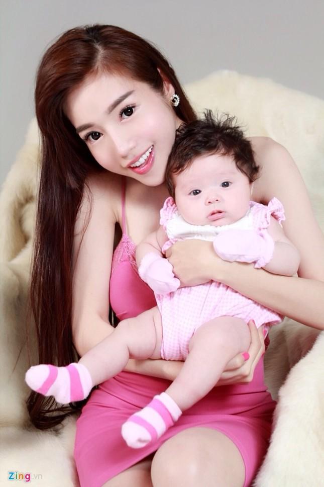 Elly Trần có con lai Tây hơn 2 tháng - anh 3