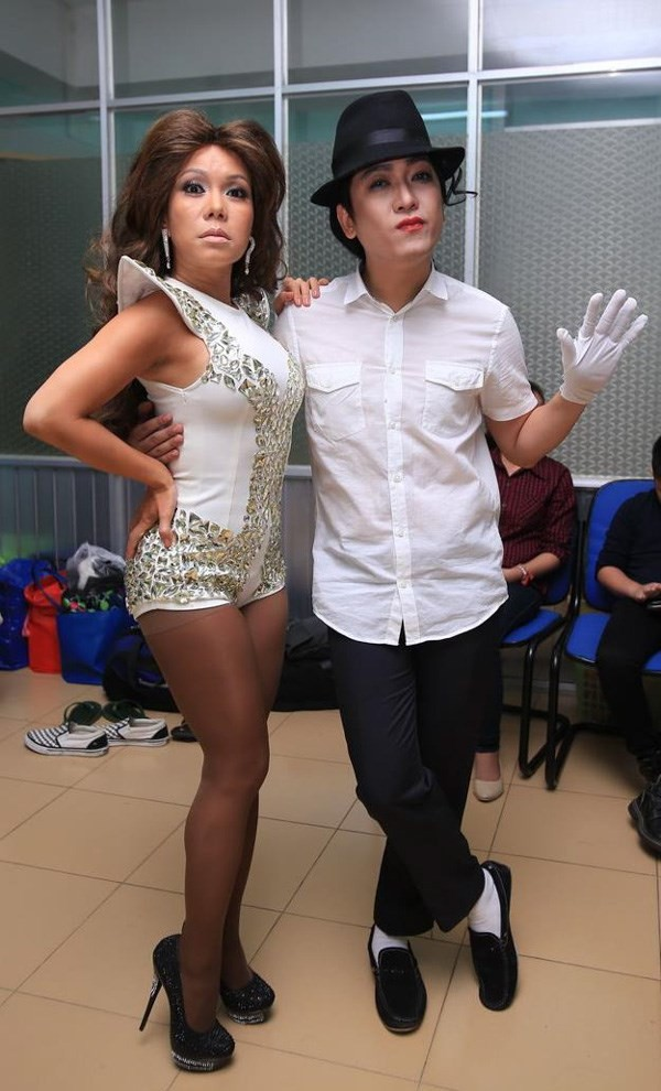 Nhịp đập Showbiz: Hà Anh bị cấm diễn 3 tháng, Dù sexy Ngọc Trinh bị xử nhẹ hơn Hương Tràm - anh 3