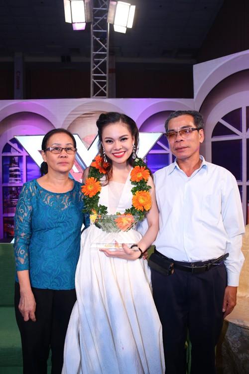 Loki Bảo Long bỏ thi X- Factor, Giang Hồng Ngọc mua nhà cho bố mẹ... - anh 7