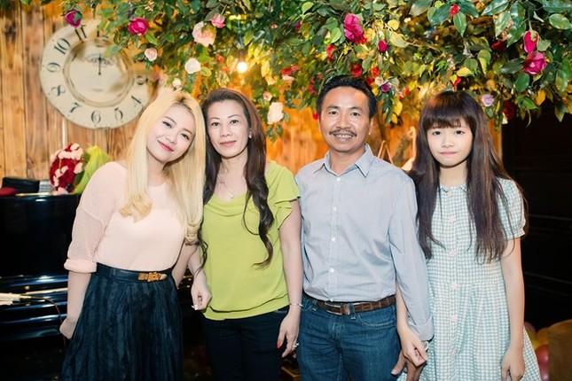 Bản tin nhịp đập Showbiz Việt 24h - anh 7