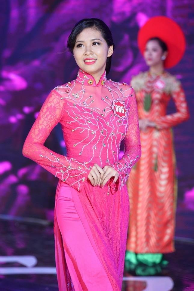 Ngắm 20 người đẹp Hoa hậu VN thướt tha trong tà áo dài - anh 1