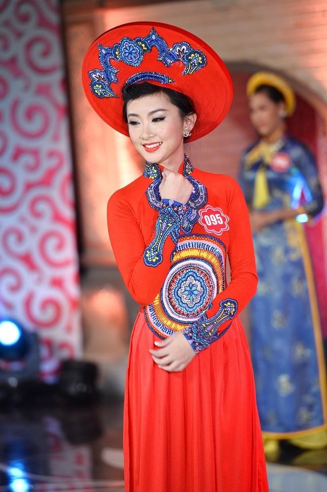 Ngắm 20 người đẹp Hoa hậu VN thướt tha trong tà áo dài - anh 2