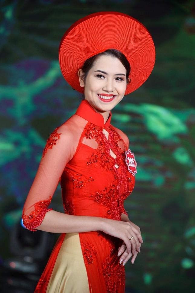 Ngắm 20 người đẹp Hoa hậu VN thướt tha trong tà áo dài - anh 11