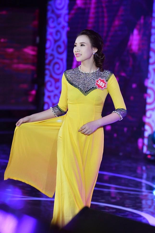 Ngắm 20 người đẹp Hoa hậu VN thướt tha trong tà áo dài - anh 14