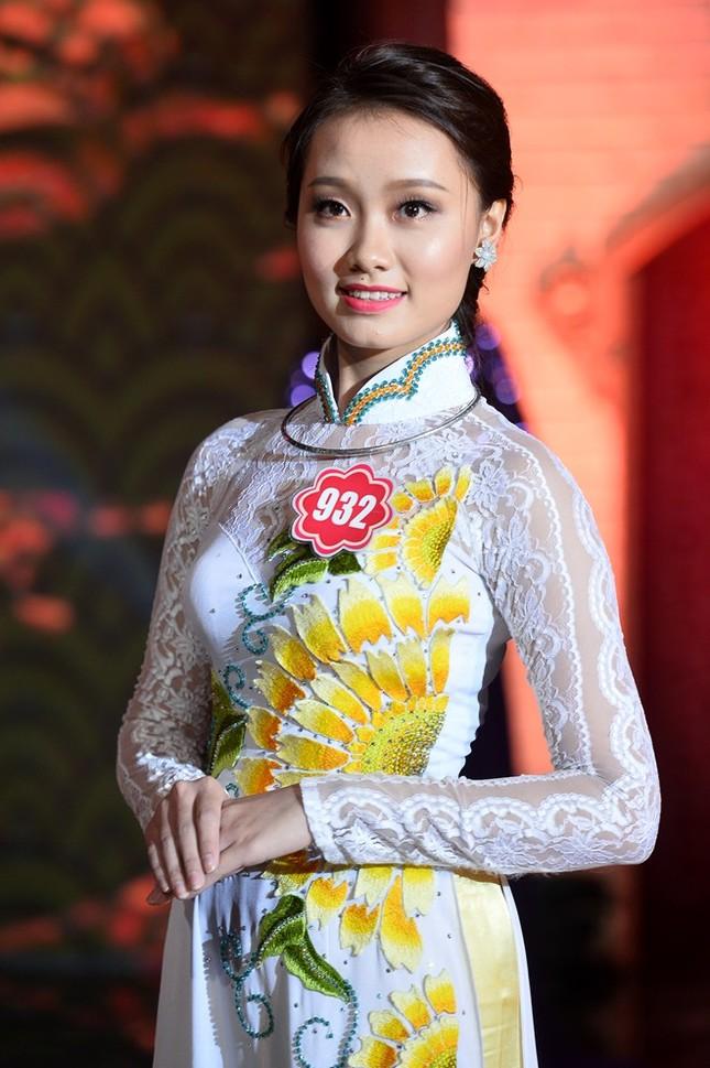 Ngắm 20 người đẹp Hoa hậu VN thướt tha trong tà áo dài - anh 17