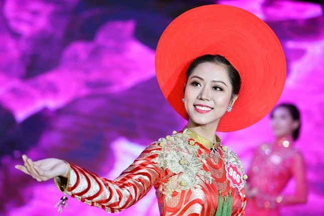 Ngắm 20 người đẹp Hoa hậu VN thướt tha trong tà áo dài - anh 18