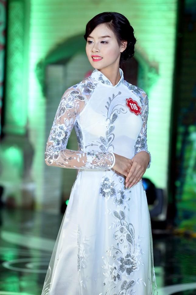 Ngắm 20 người đẹp Hoa hậu VN thướt tha trong tà áo dài - anh 4
