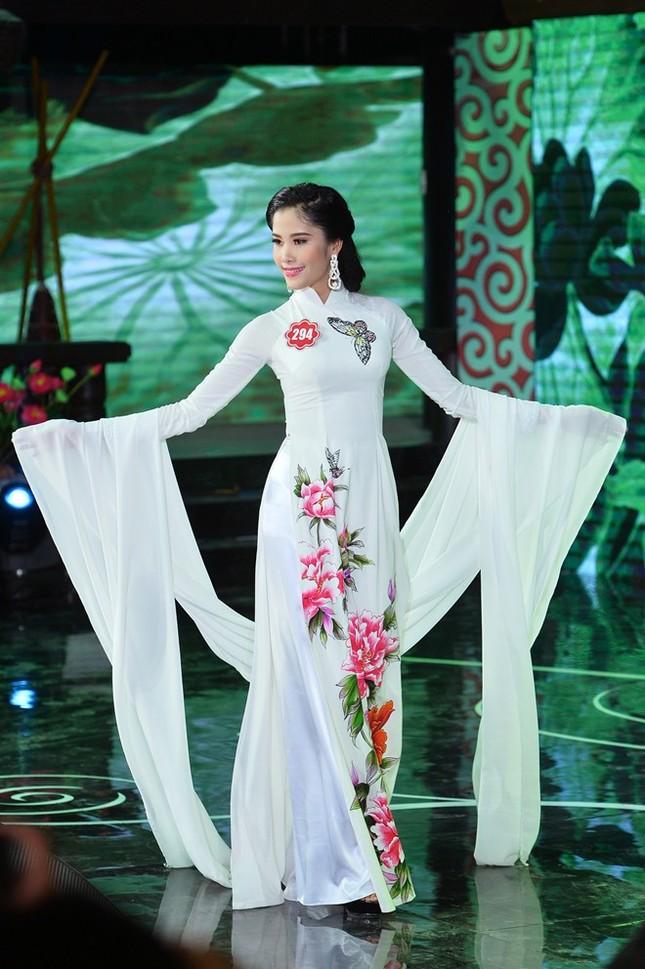 Ngắm 20 người đẹp Hoa hậu VN thướt tha trong tà áo dài - anh 9