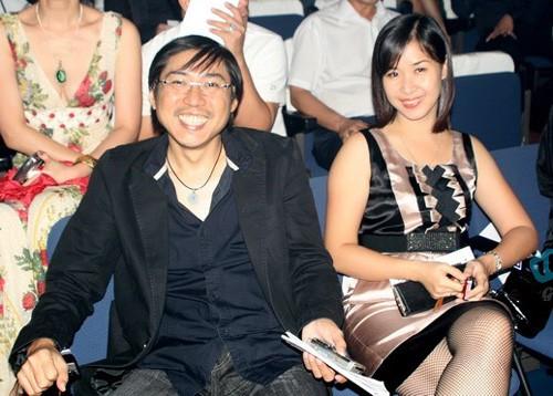 Nhịp đập showbiz: Mẹ chồng Hà Tăng: Xài hàng nhái làm nghèo nhân cách, Duy Nhân cạo đầu... - anh 1