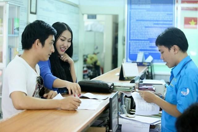 Phi Thanh Vân ôm bụng bầu 4 tháng đi đăng ký kết hôn - anh 3