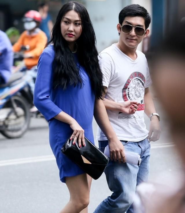 Phi Thanh Vân ôm bụng bầu 4 tháng đi đăng ký kết hôn - anh 2