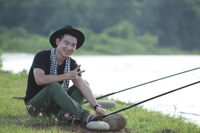 """Ca sỹ Việt Tú: """"Đừng quá khắt khe với hình ảnh chân dài đi bên cạnh đại gia"""" - anh 2"""