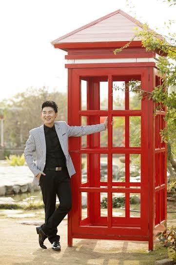 """Ca sỹ Việt Tú: """"Đừng quá khắt khe với hình ảnh chân dài đi bên cạnh đại gia"""" - anh 3"""