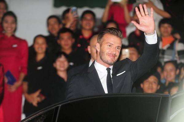 Cận cảnh vẻ quyến rũ chết người của David Beckham khi đi dự tiệc tại Hà Nội - anh 4