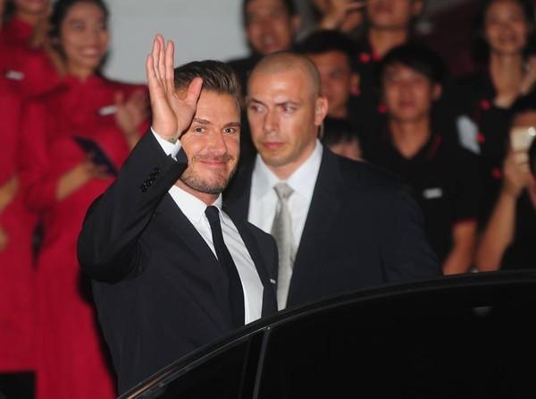 Cận cảnh vẻ quyến rũ chết người của David Beckham khi đi dự tiệc tại Hà Nội - anh 5